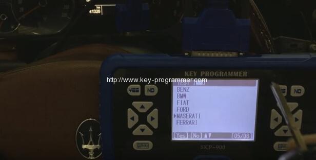 skp900-program-maserati-remote-key-1