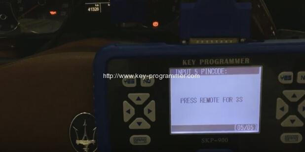 skp900-program-maserati-remote-key-16