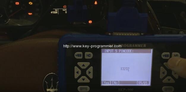 skp900-program-maserati-remote-key-8