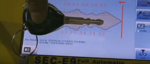 SEC-E9-key-cutting-machine-cut-keys-(12)