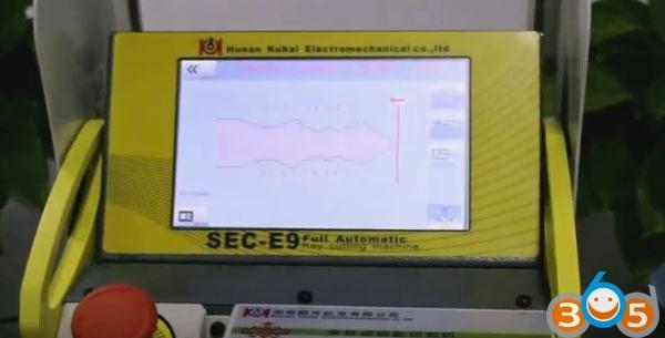 SEC-E9-key-cutting-machine-cut-keys-(14)