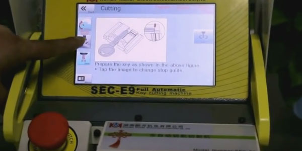 SEC-E9-key-cutting-machine-cut-keys-(16)