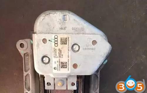 Audi-A6LQ7-steering-Lock-Module-J518-Repair-Guide-1
